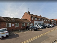 Use Class E Office building with parking for 10 cars, To Be  Let – Borehamwood, WD6